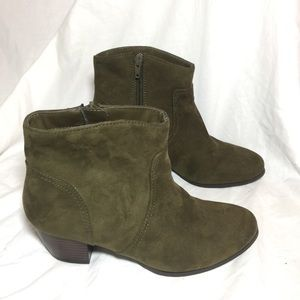 ANA 👞 Moss green ankle boots booties shoes 6.5